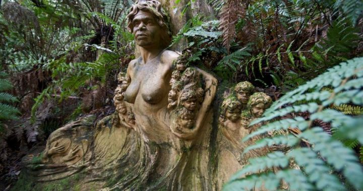 William Ricketts Sanctuary. Cierpienie Aborygenów wyryte w skale