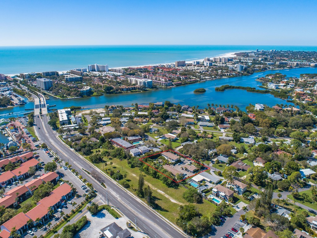 The Multifamily Firm Brokers Apartment Complex Sale in Sarasota, Florida
