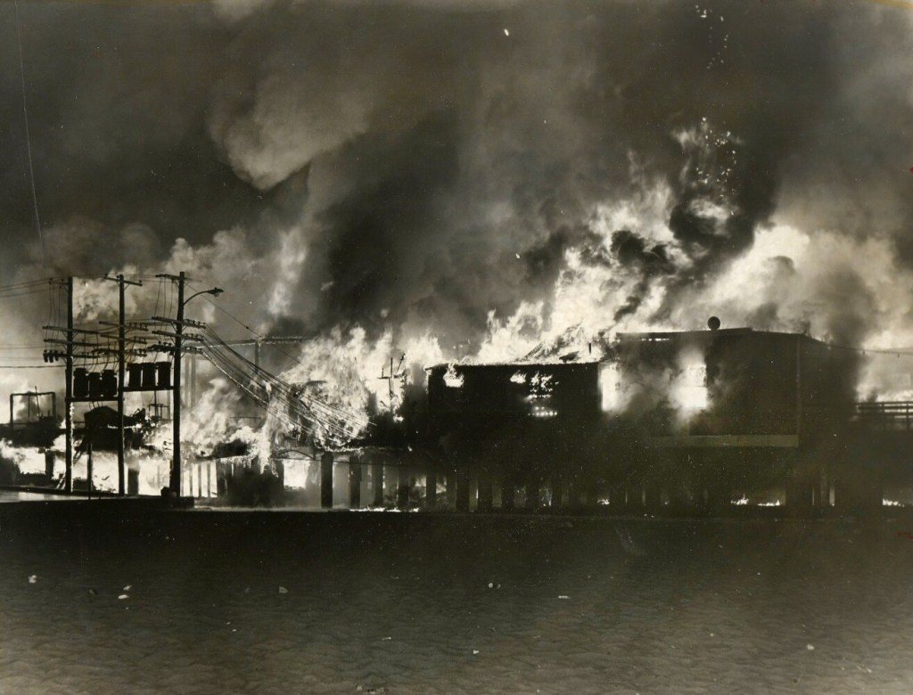 By Photo Congress || Orchard Street Hotel Fire
