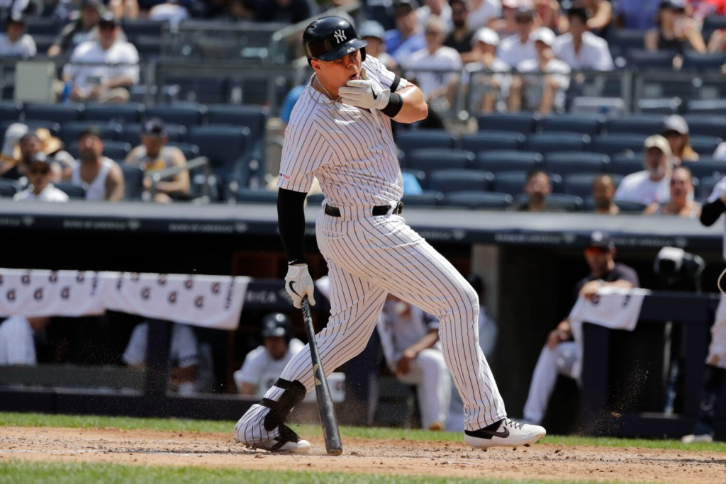 best service 5ab84 01d9a Saturday's Major League roundup: Yankees stay hot, rout ...