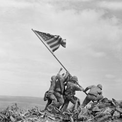 Iwo_Jima_Flag_Raising_Identities_27575
