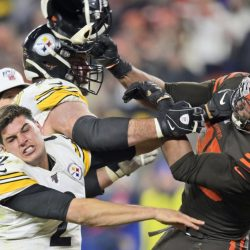 APTOPIX_Steelers_Browns_Football_57605
