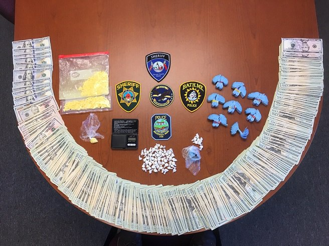Agents with the Maine DEA say they discovered hundreds of doses of heroin and prescription drugs, as well as $10,500 in cash, in a room belonging to Kyle Rivers of Bear, Delaware.