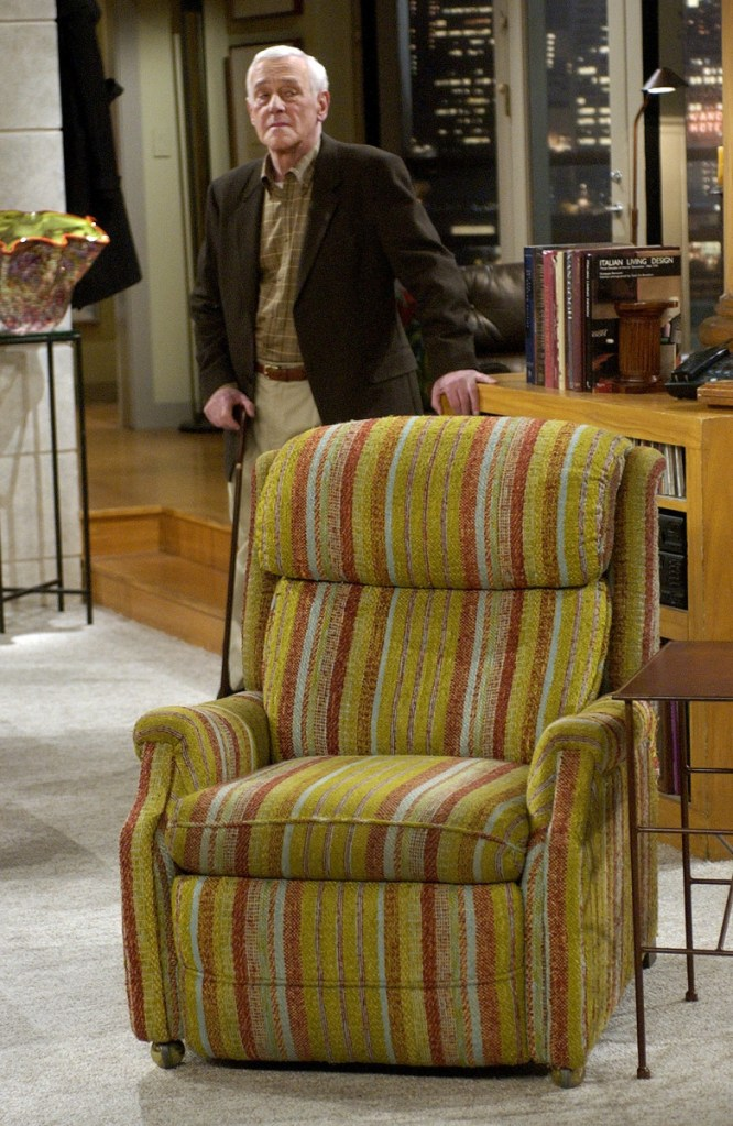 """John Mahoney, who stars as Martin Crane, appears March 23, 2004, on the set during the filming of the final episode of """"Frasier"""" in Los Angeles. Mahoney's longtime manager, Paul Martino, said Mahoney died Sunday in Chicago after a brief hospitalization. The cause of death was not immediately announced. He was 77."""