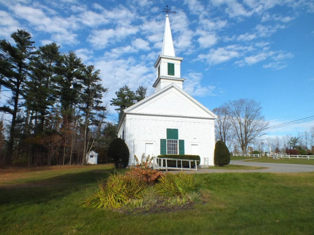 This Methodist meeting house was built in East Readfield in 1795 and later named the Jesse Lee Methodist Church. Today it is the oldest Methodist church still open for worship, in New England.