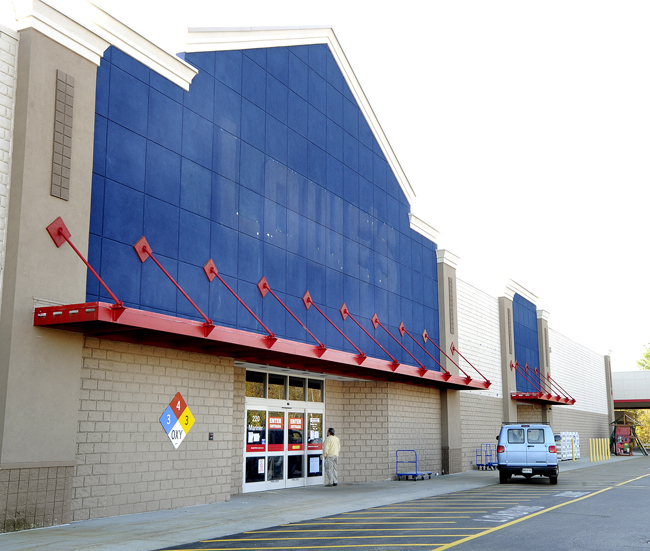 Lowe's layoff could affect as many as 20 Maine workers