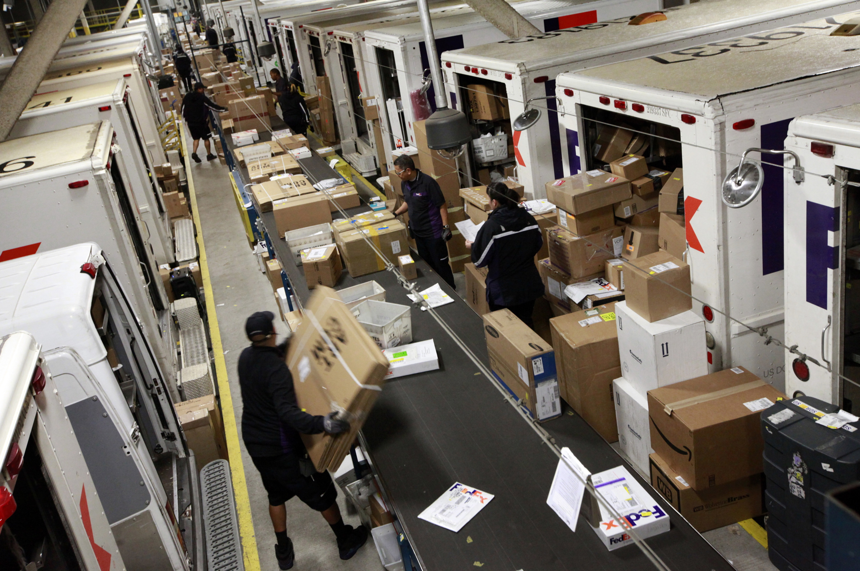 It's game on for the gift-shippers - Portland Press Herald