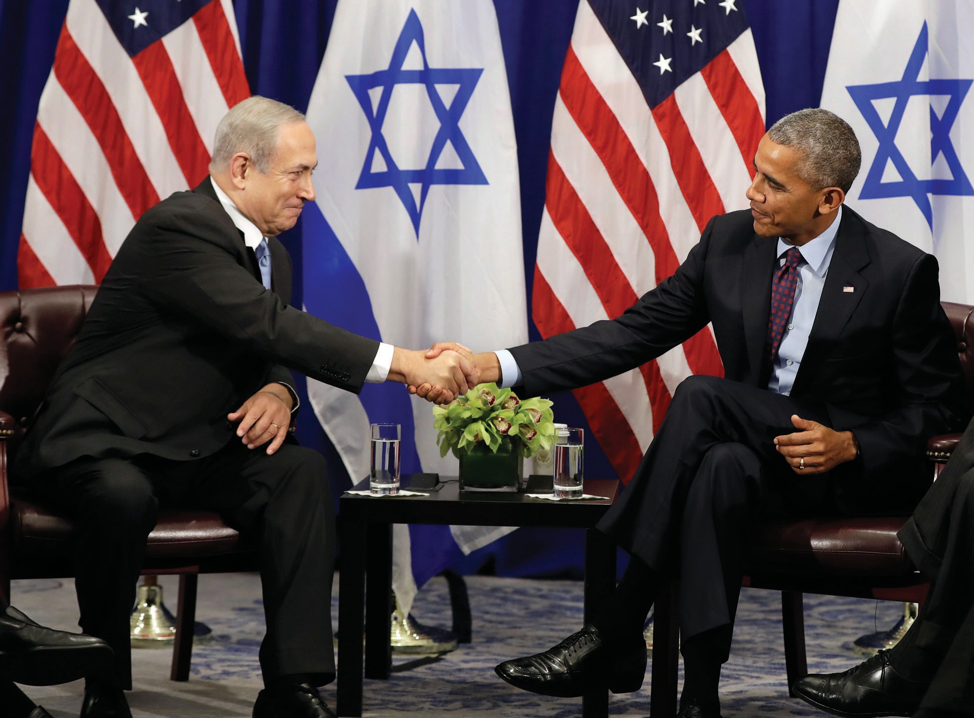President Barack Obama shakes hands with Israeli Prime Minister Benjamin Netanyahu during a bilateral meeting at the Lotte New York Palace Hotel in New York Wednesday.
