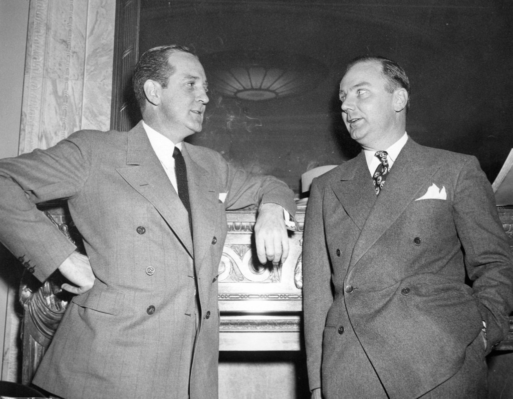 Preston Tucker with his attorney D.W. Holloman in November 1946.