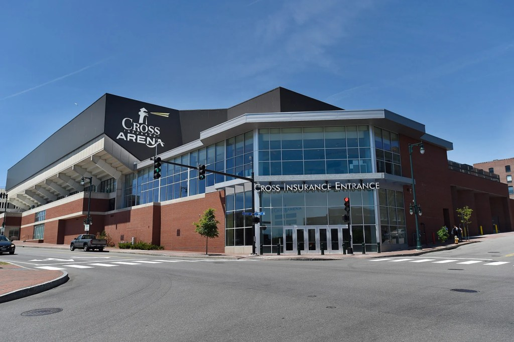 The Cross Insurance Arena in Portland will again host a hockey team. Comcast Spectacor, parent company of the Philadelphia Flyers, announced Thursday the purchase of an ECHL franchise in Alaska that will be moved to Portland.
