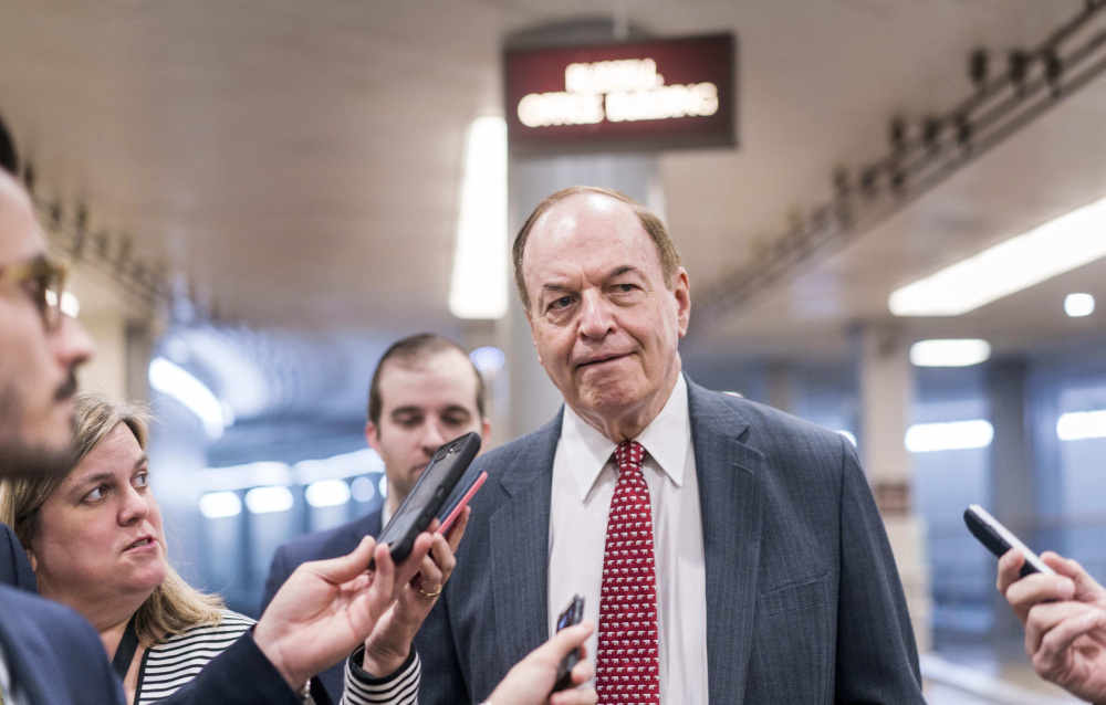 Sen. Richard Shelby again makes it clear that he doesn't want to serve with Roy Moore.