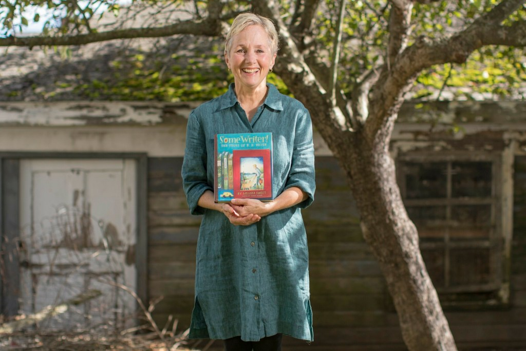 Children's book illustrator Melissa Sweet will be honored at the Carle Honors gala in New York City in September.