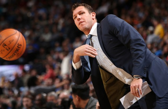 Ex-Lakers head coach Luke Walton sued for sexual assault