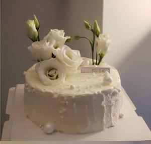 custom cakes 37