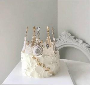 custom cakes 33