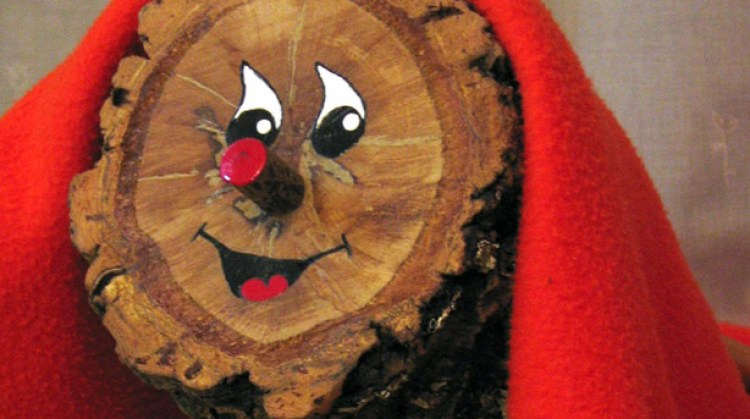 Christmas log with happy face