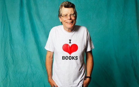 Stephen King hearts books