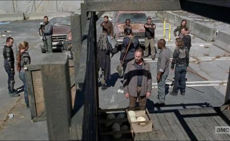 The Walking Dead, Bury Me Here 02