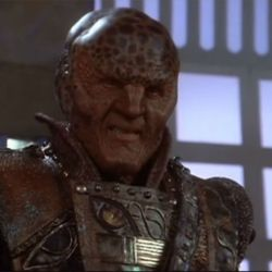 Babylon 5 s2 ep12 - Featured