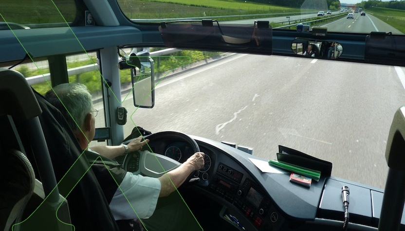 Rebaja de edad para la obtención del carnet de conducir profesional