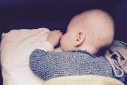 Schlaf, Kindlein, schlaf: gefährliche Einschlafhilfe für Babys