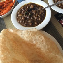 Chole Bhatura @ Cream Center (Chowpatty)