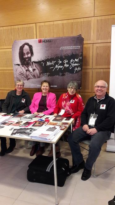 La délégation du Collectif français LIBERONS MUMIA Eliane Poncet, Claude Guillaumaud-Pujol, Ramite Oréa, Jacky Hortaut