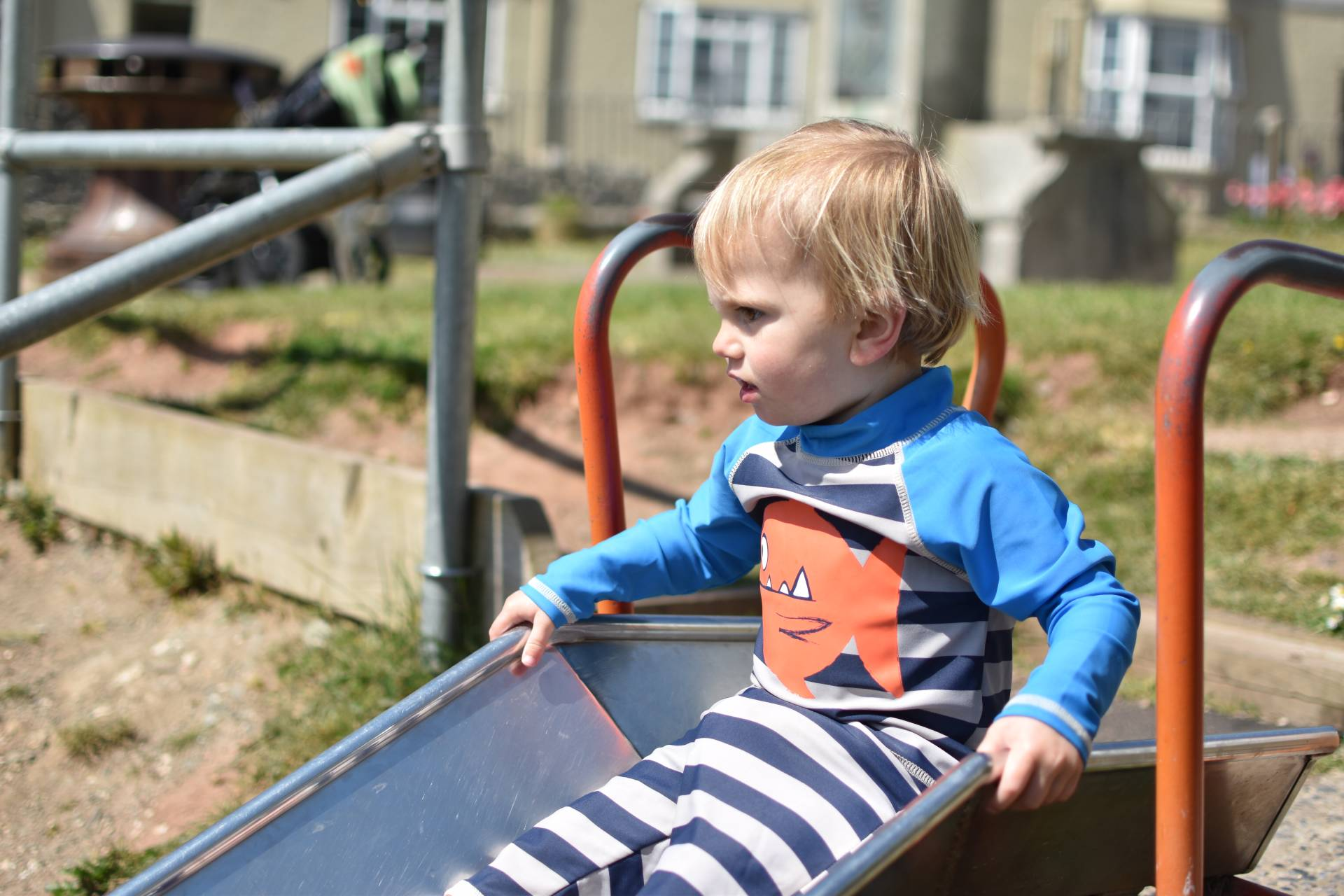 keeping toddlers safe in the sun with this cute little set from Frugi