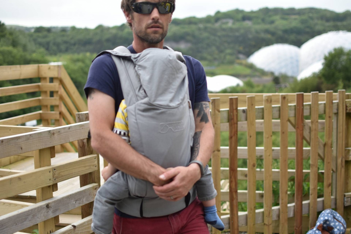 reviewing the Mountain Buggy Juno, a super comfy feature packed baby wearing wonder!