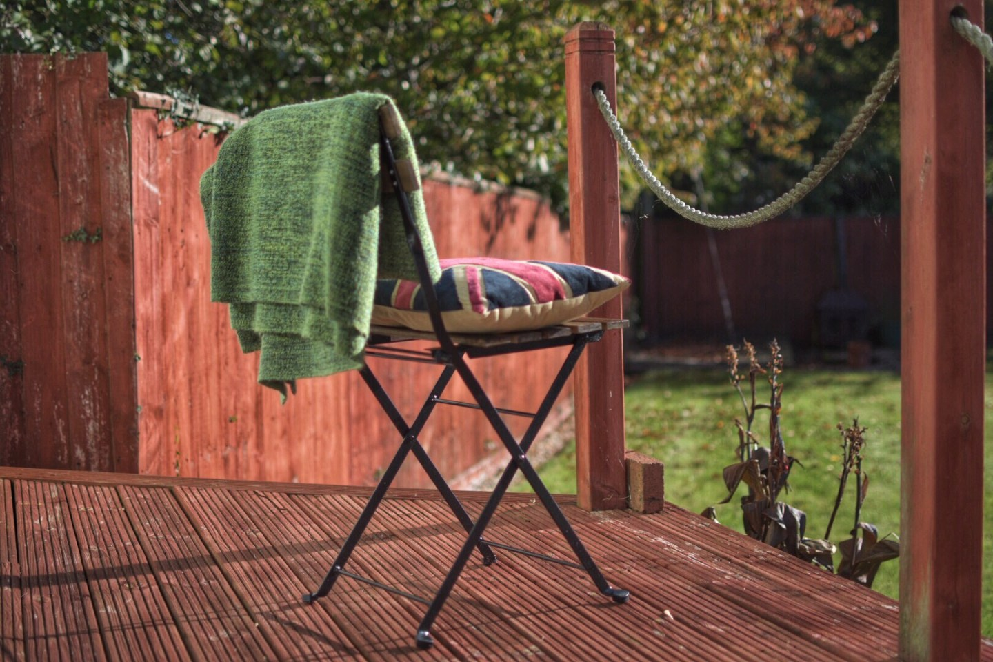 Here's some motivation to get you out in the garden and make the most of the lush autumn sunshine and make yours an all year outside space