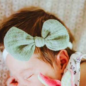 Babyschleife – meeresgrün Musselin