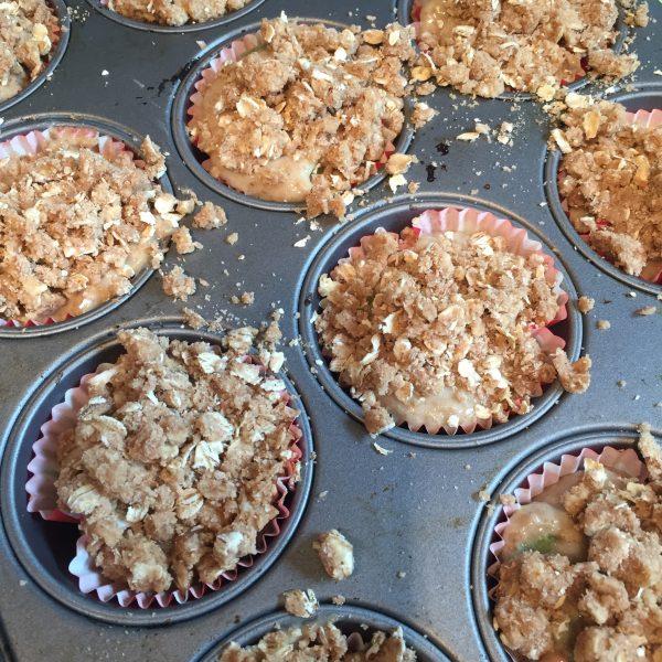 Rhubarb Crumble Muffins
