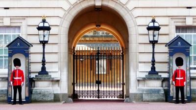 buckingham-palace-978830_1920