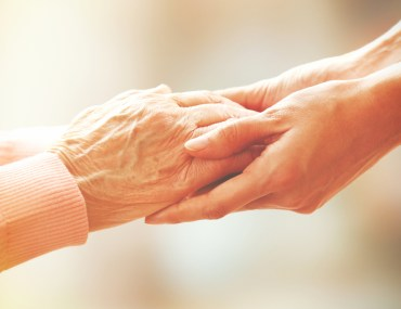 A guide to selecting the best housing option for your aging parents