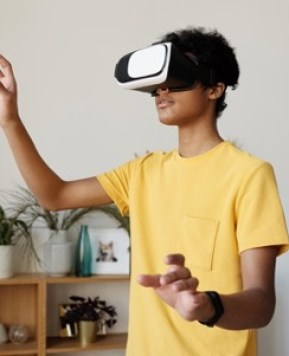 Exciting virtual tours to take your kids in 2021