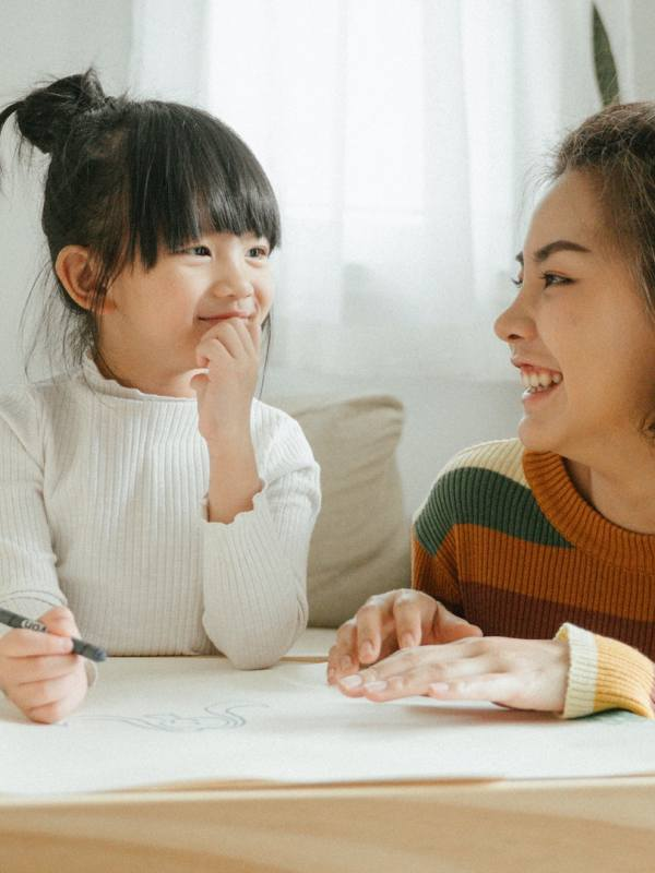 6 tips to teach your kids English at home