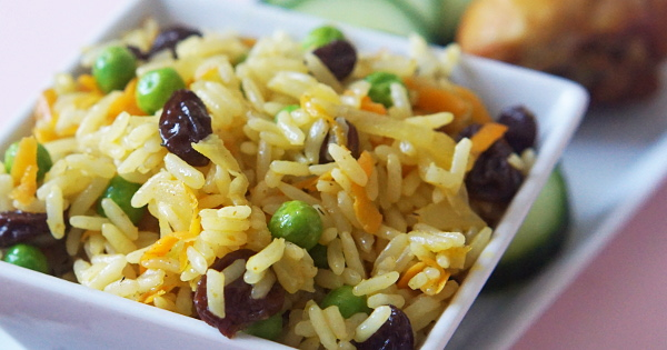 Coconut Rice with Raisins