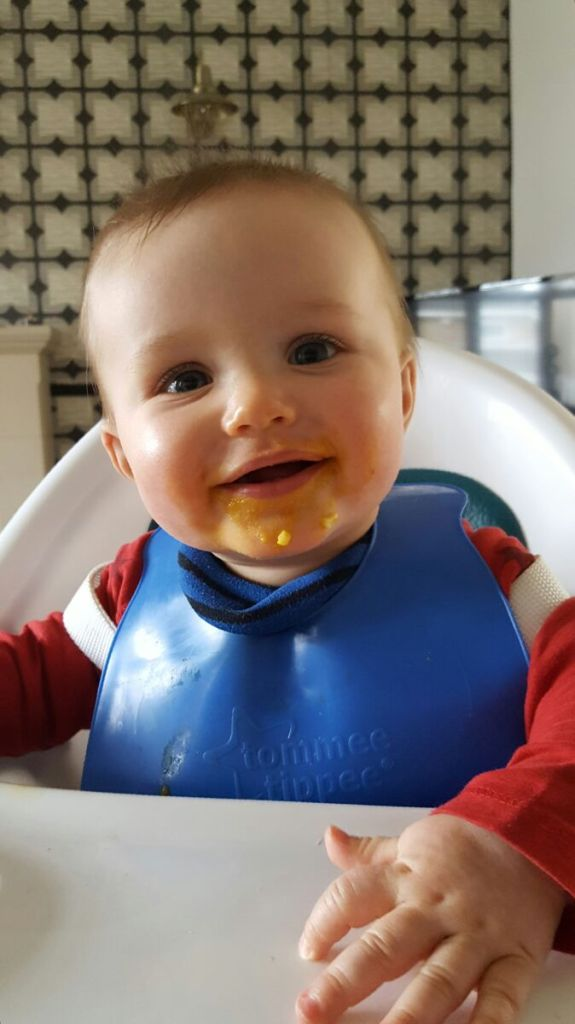 This week we are joined by Nicola from IAmCrabstix who has been weaning her baby RLT for a few months now. Join us and see what weaning wisdom she shares.