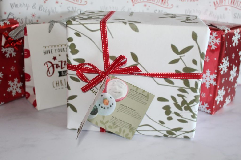Gift ideas for Adults - Christmas 2018 - Bomb Cosmetics Mistletoe Kisses Gift Set