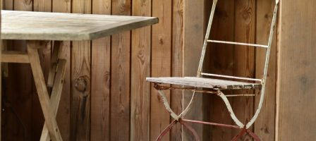How to transform old garden furniture and make it look new