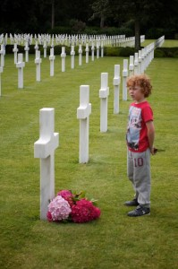 Child at Omaha War Memorial