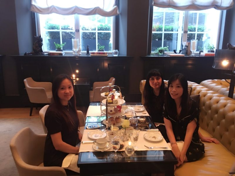 The perfect relaxing girls art afternoon tea in the Mirror Room, Rosewood London Hotel