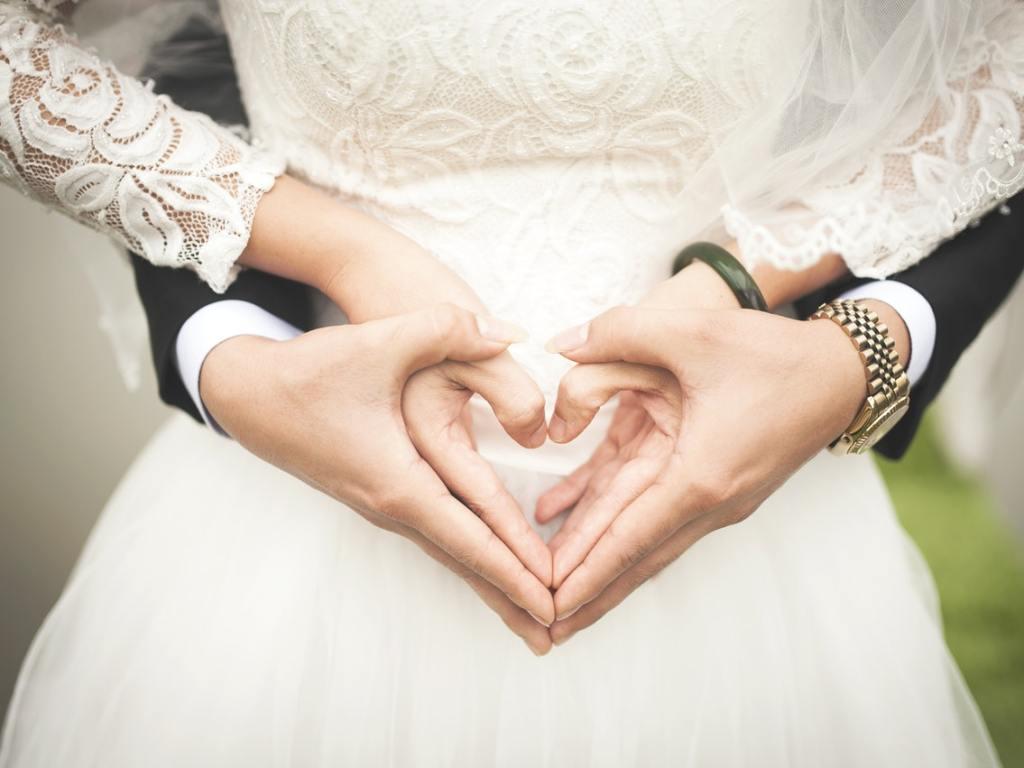 Five Ways to Save Money When Planning a Wedding