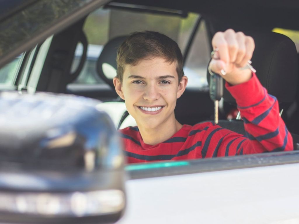 4 Things to Consider when Buying a Car for a Young Driver