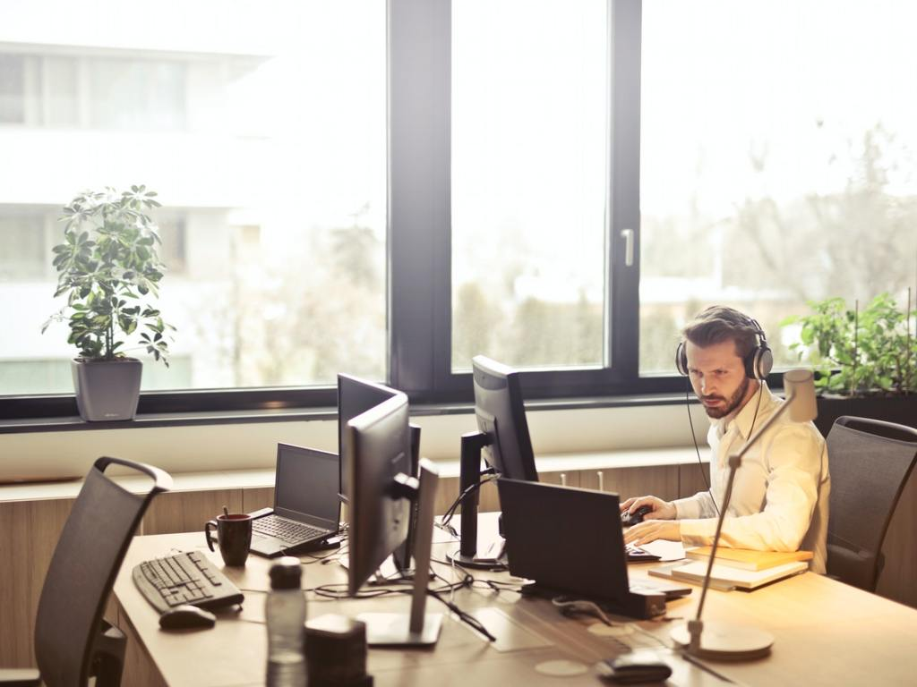 Four Reasons You Should Outsource Customer Service