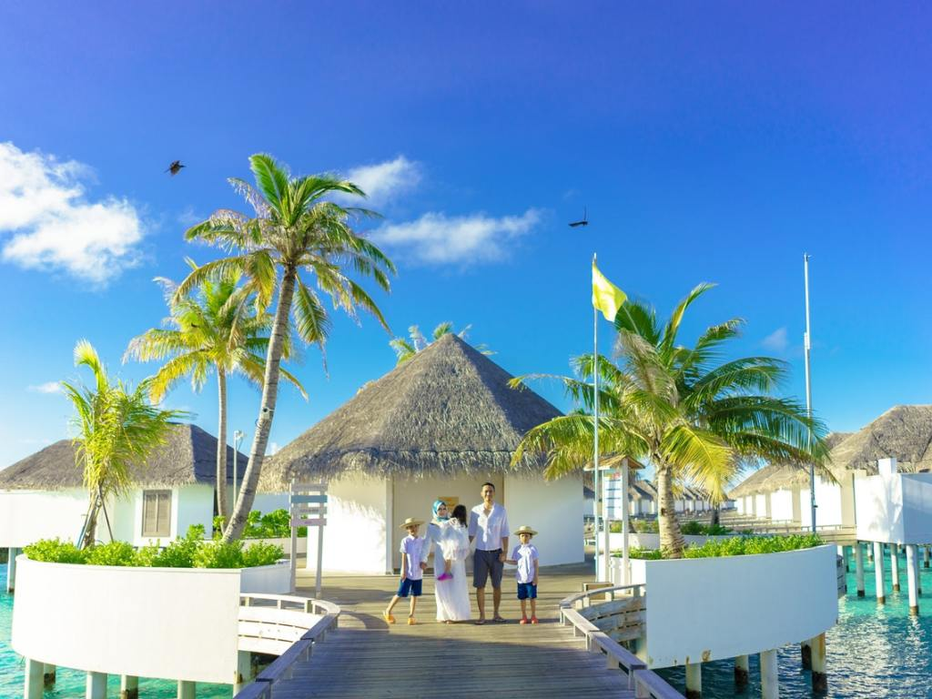 Planning a Family Vacation Abroad – Documents and What to Pack