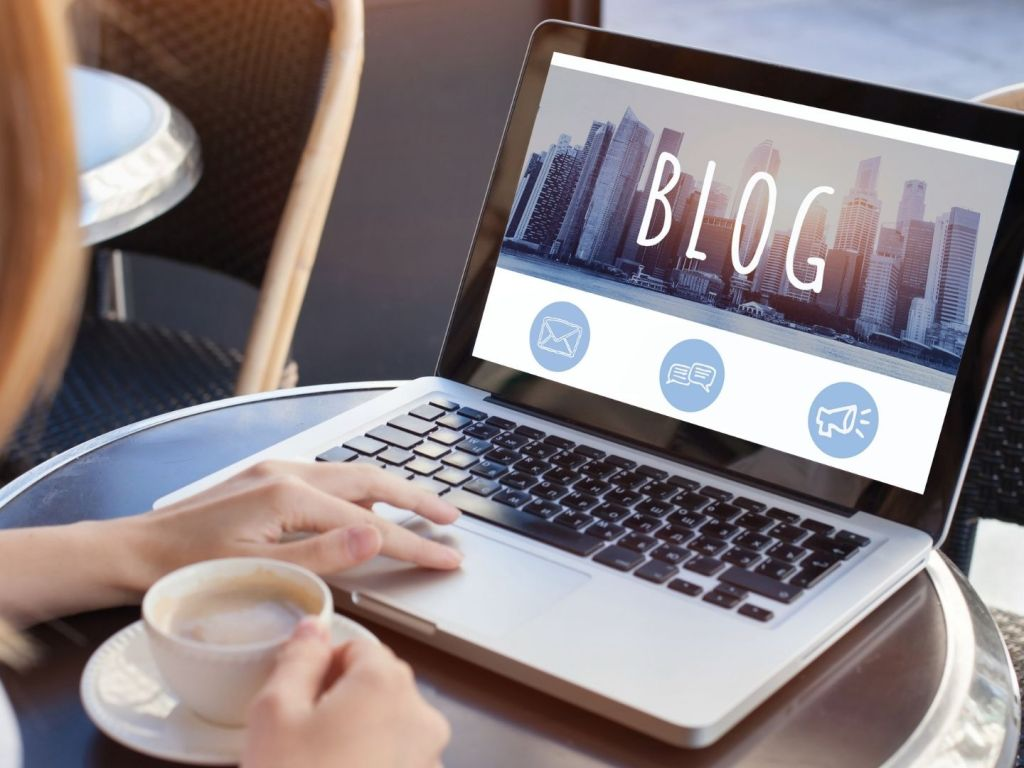 AI Generated Blog Posts: Pros and Cons