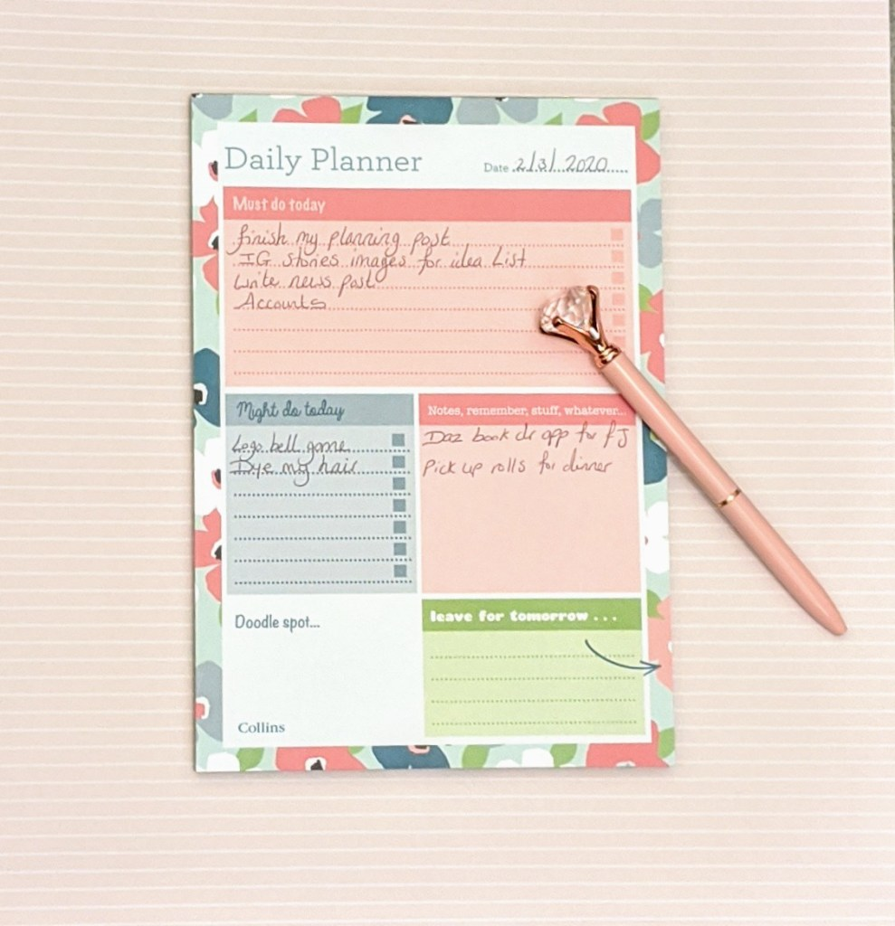 A5 daily planning pad and pink crystal ended pen