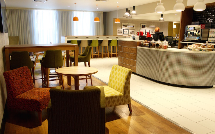 Lounge area, Holiday Inn Brighton Seafront. Copyright Gretta Schifano