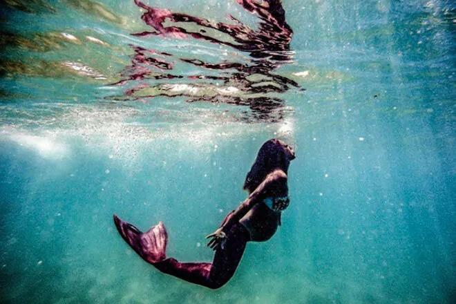 New Trend Mermaid Maternity Photos Making A Splash